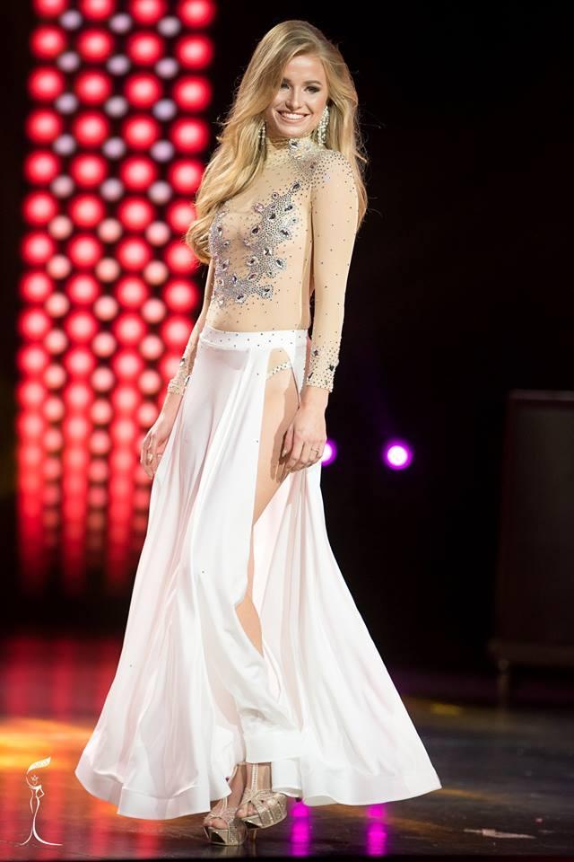 Floor Masselink Miss Grand Netherlands 2016 in Evening Gown (Photo Credit: Official Facebook/ Miss Grand International Organization)