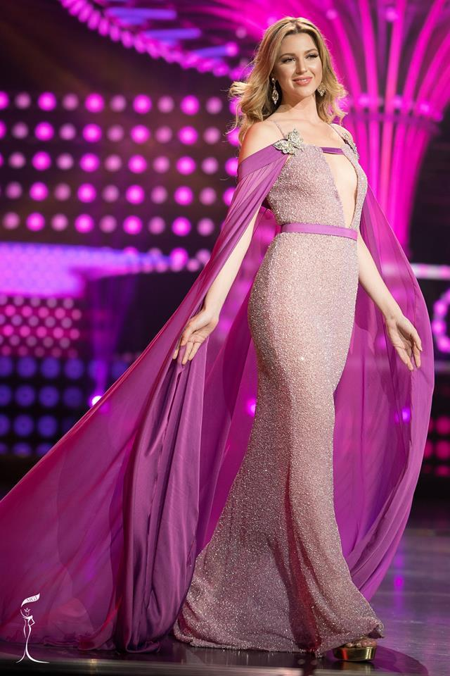 Madison Anderson Berrios Miss Grand Puerto Rico 2016 in Evening Gown (Photo Credit: Official Facebook/ Miss Grand International Organization)