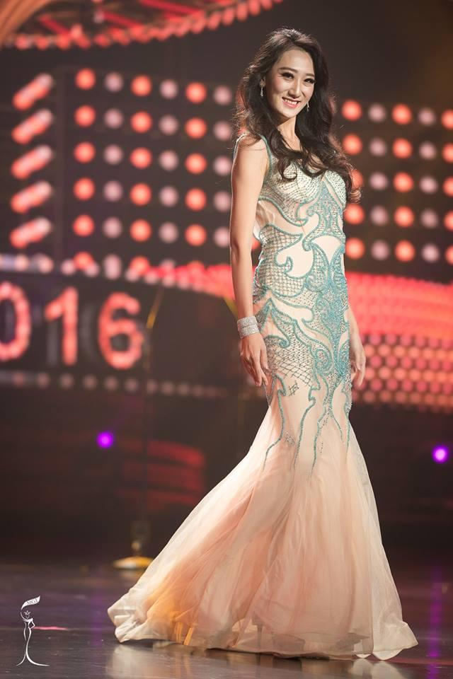 Siru He Miss Grand China 2016 in Evening Gown (Photo Credit: Official Facebook/ Miss Grand International Organization)