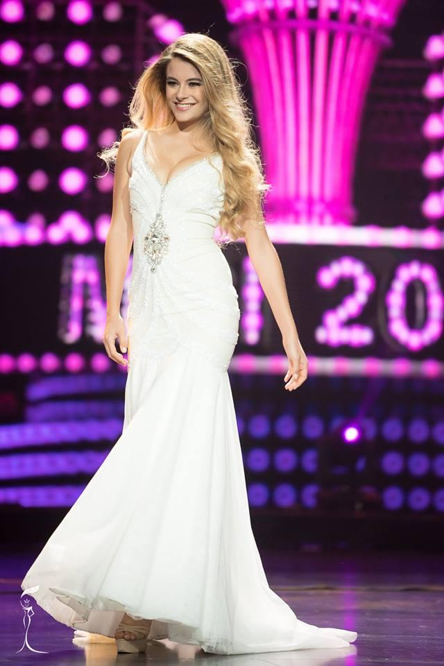 Martina Corrias Miss Grand Italy 2016 in Evening Gown (Photo Credit: Official Facebook/ Miss Grand International Organization)