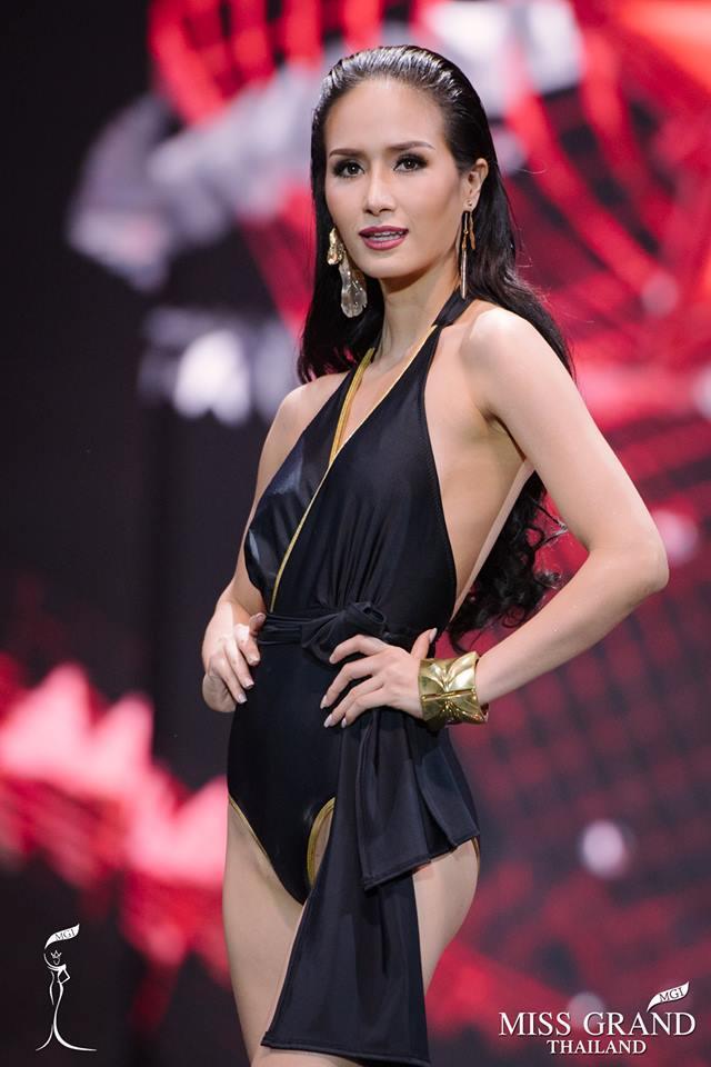 นัธนันท์กานต์ หรี่จินดา มิสแกรนด์หนองคาย 2017 Versailles Sinz Miss Grand Nong Khai 2017 during Preliminary Swimsuit Competition (Courtesy - FaceBook/missgrandthailand)