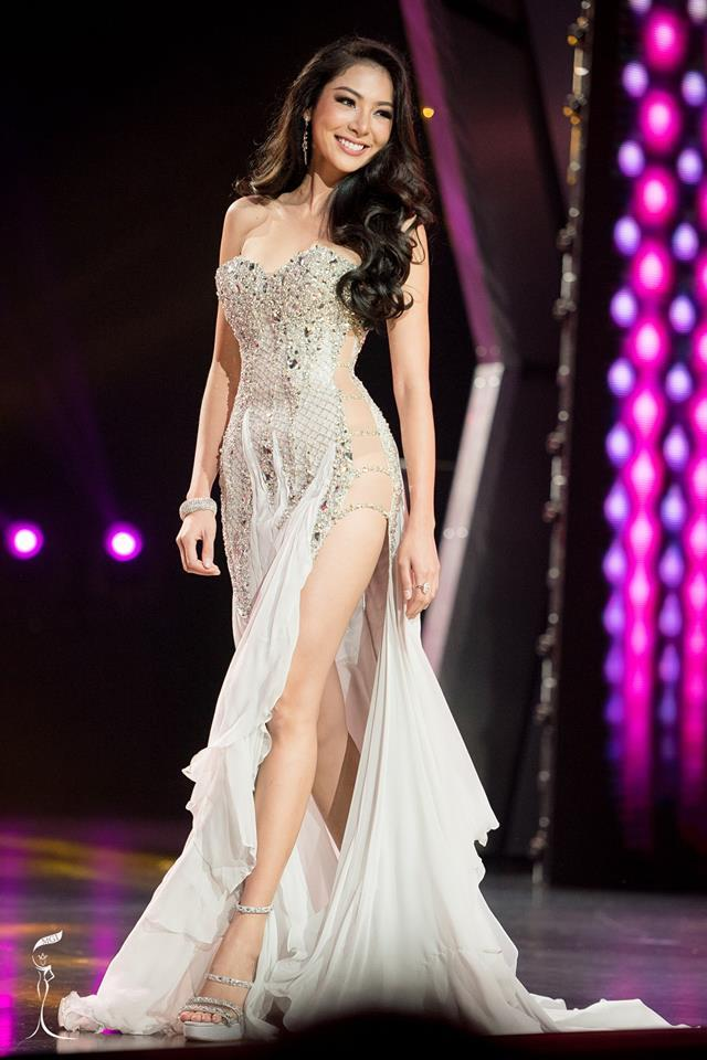 Supaporn Malisorn Miss Grand Thailand 2016 in Evening Gown (Photo Credit: Official Facebook/ Miss Grand International Organization)
