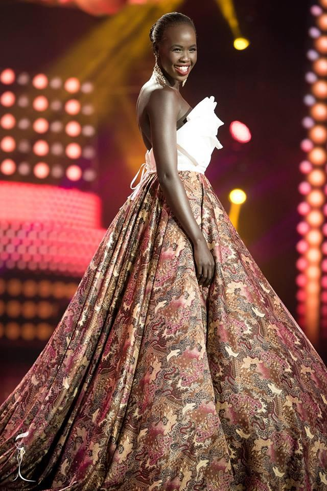 Anyier Teresa Yuol Miss Grand South Sudan 2016 in Evening Gown (Photo Credit: Official Facebook/ Miss Grand International Organization)
