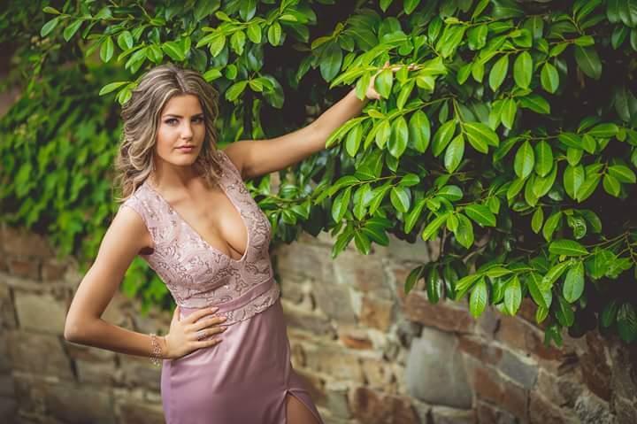 Miss Bulgaria 2017 Nikoleta Todorova and Miss New Zealand