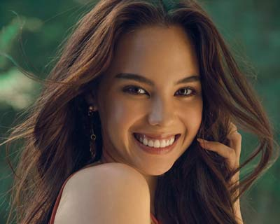 Miss Universe sisters Catriona Gray and Pia Wurtzbach join hands for the Love Gala 2019