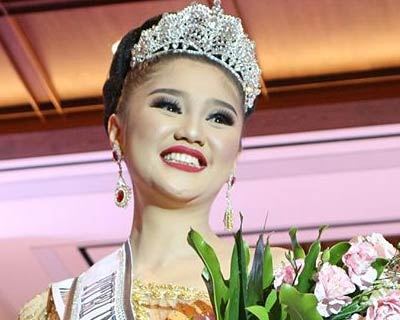 Helvanda Herman crowned Puteri Indonesia Sumatera Selatan 2019 for Puteri Indonesia 2019