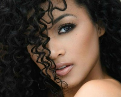 Kára McCullough breaking the beauty pageant stereotype in curly hair