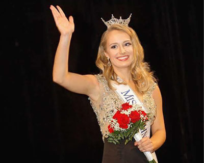 Katie Elliott crowned as Miss Maine 2017 for Miss America 2018