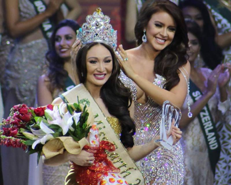 Karen Ibasco of Philippines crowned Miss Earth 2017