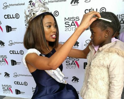Miss South Africa 2017 finalists visit Cahi Dental and Prosthodontic Practice