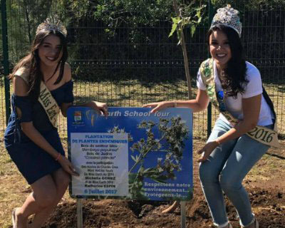 Katherine Espin and Michelle Gomez touring Reunion Island