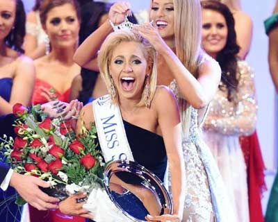 Suzi Roberts crowned as Miss South Carolina 2017 for Miss America 2018