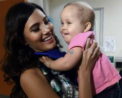 Stephanie Del Valle visits San Jorge Children's Hospital
