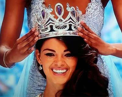 Demi-Leigh Nel-Peters crowned as Miss South Africa 2017