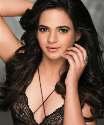 Beauty Talks with Gurusha Gandhi Miss Earth India 2016 Finalist