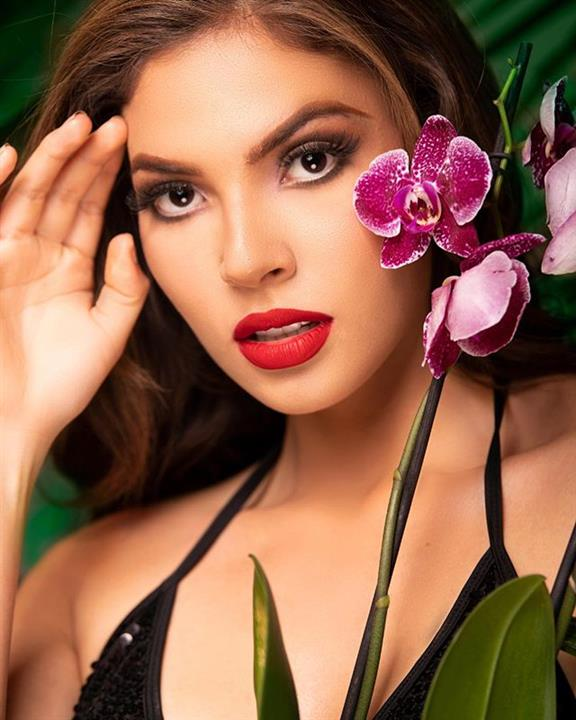 Reina Hispanoamericana 2019 Official Headshot Hot Picks