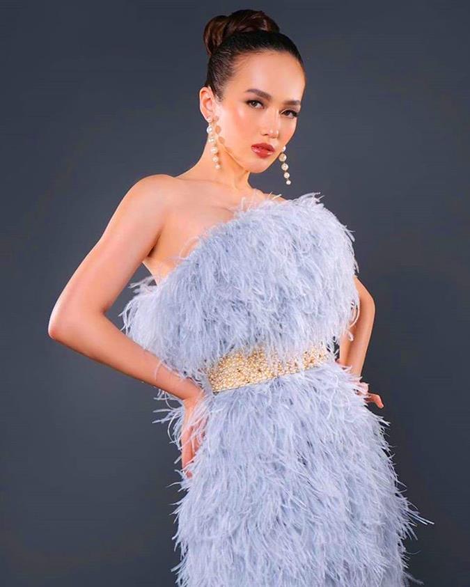 Olivia Putri Leanartha representing West Kalimantan