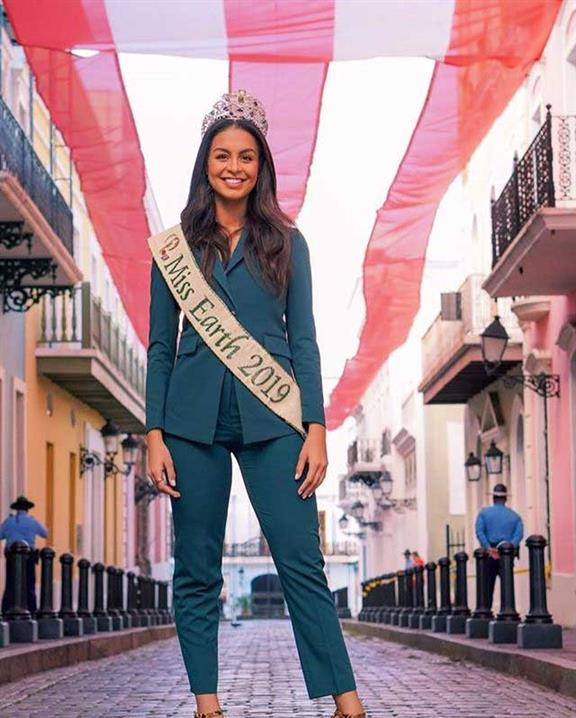 The first ever Puerto Rican Miss Earth Nelly Pimentel receives grand recognition