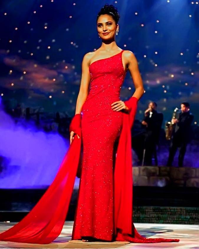 Miss Universe 2000 Lara Dutta
